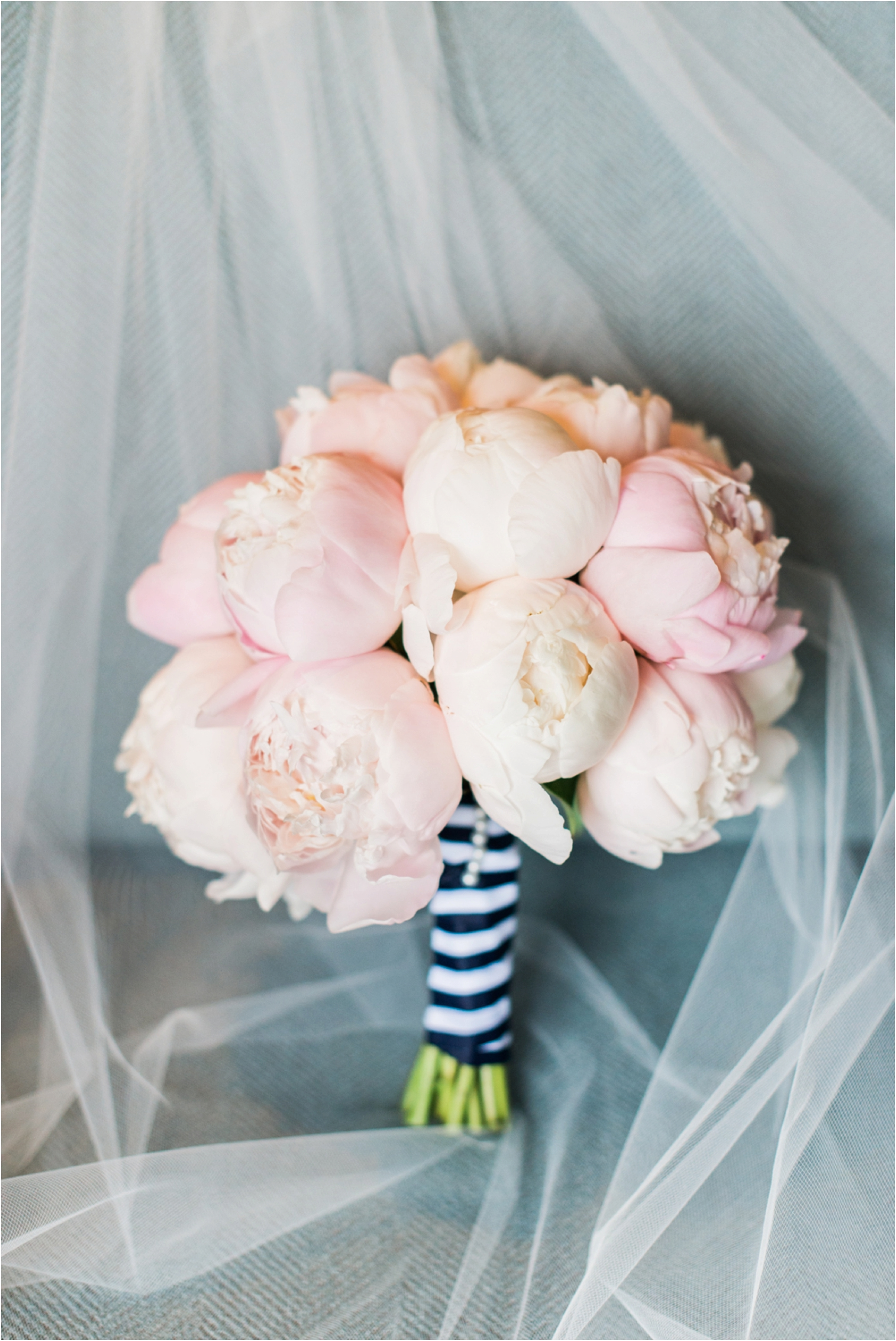 blush-peony-bouquet-photo
